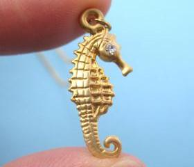 Realistic Seahorse Animal Charm Necklace in Gold