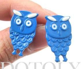 Cute Owl Bird Animal Feather Stud Earrings in Blue