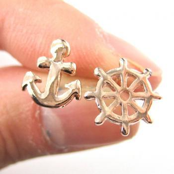 Small Anchor and Wheel Nautical Stud Earrings in Rose Gold